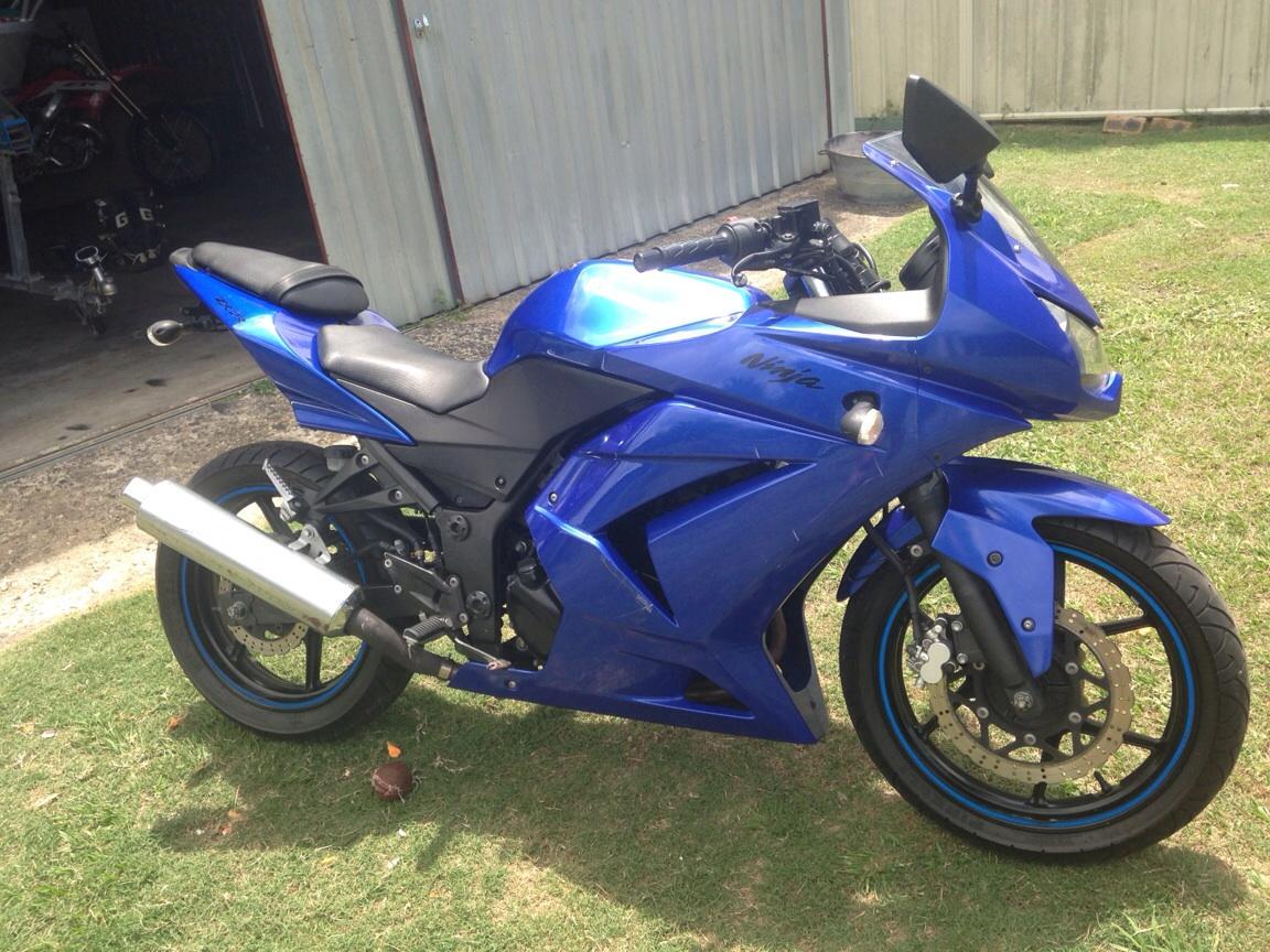 2009 kawasaki ninja 250r bike sales qld sunshine coast 2436685. Black Bedroom Furniture Sets. Home Design Ideas