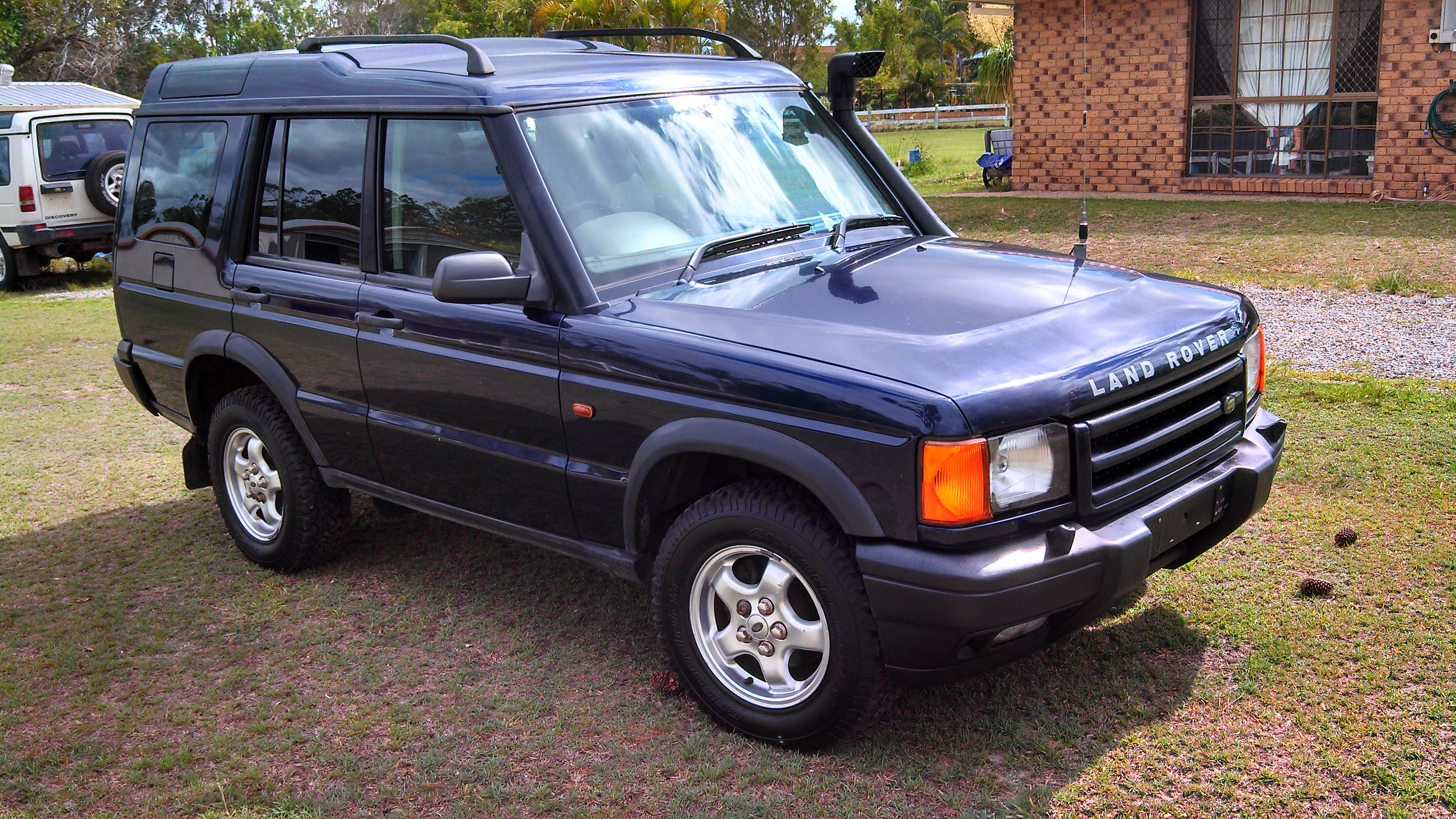 2000 land rover discovery series ii car sales qld brisbane north 2570168. Black Bedroom Furniture Sets. Home Design Ideas