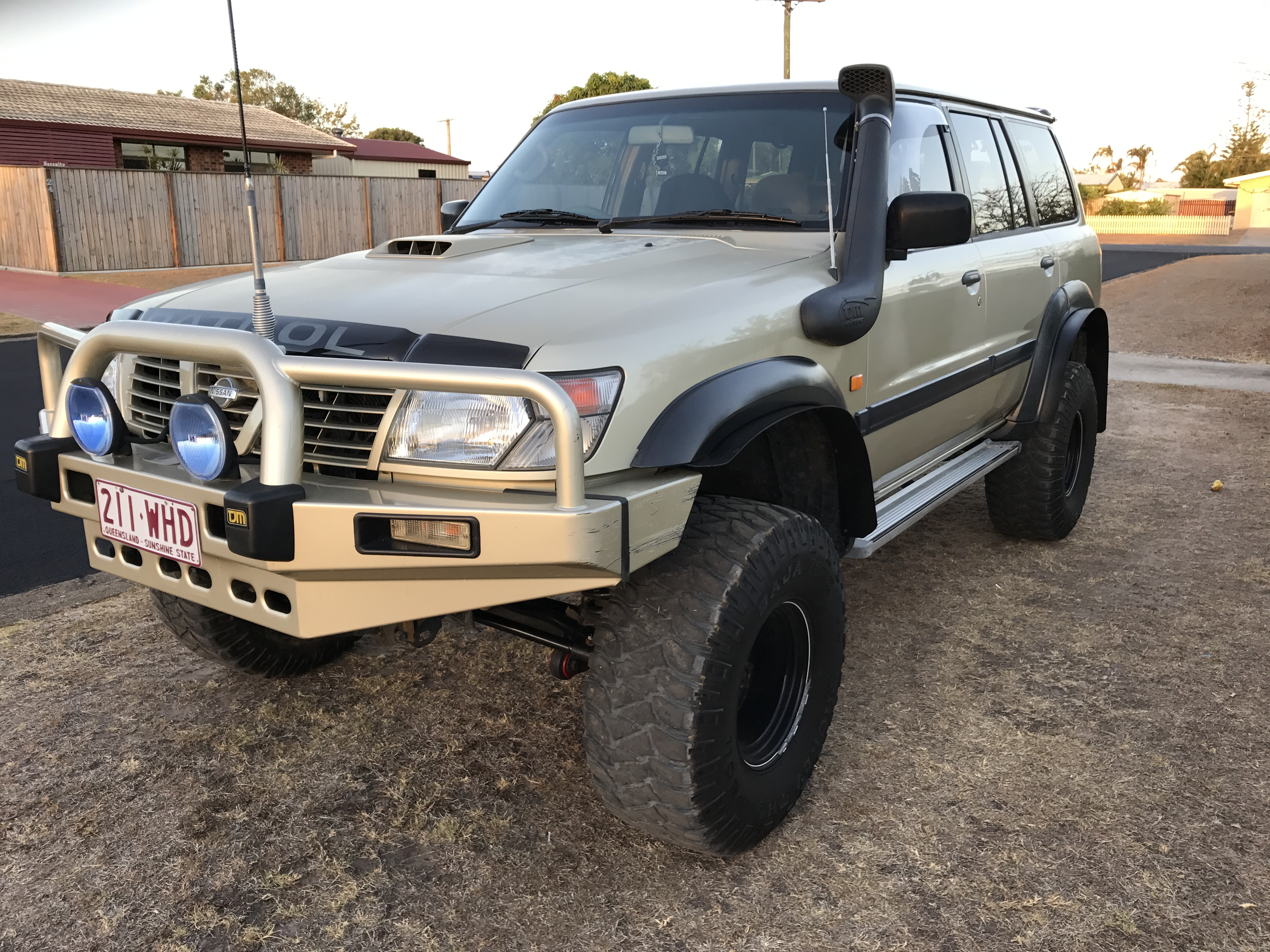2001 nissan patrol st 4x4 gu for sale or swap qld wide bay burnett 2997034. Black Bedroom Furniture Sets. Home Design Ideas