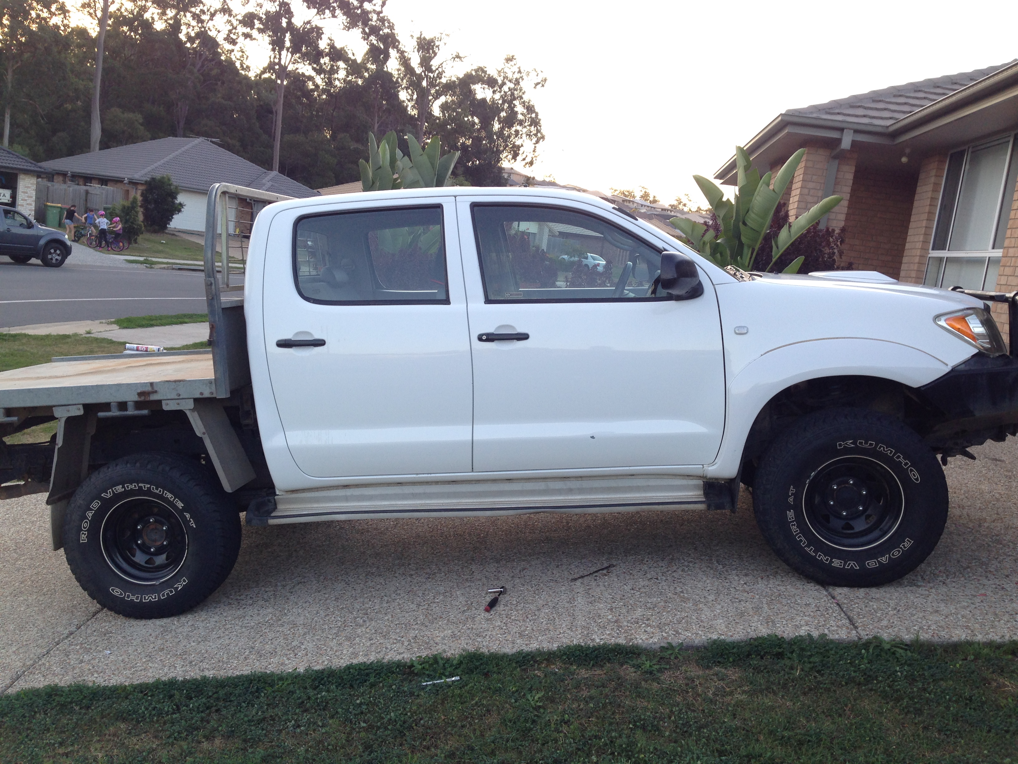 2005 toyota hilux sr 4x4 kun26r car sales qld brisbane 2785916. Black Bedroom Furniture Sets. Home Design Ideas