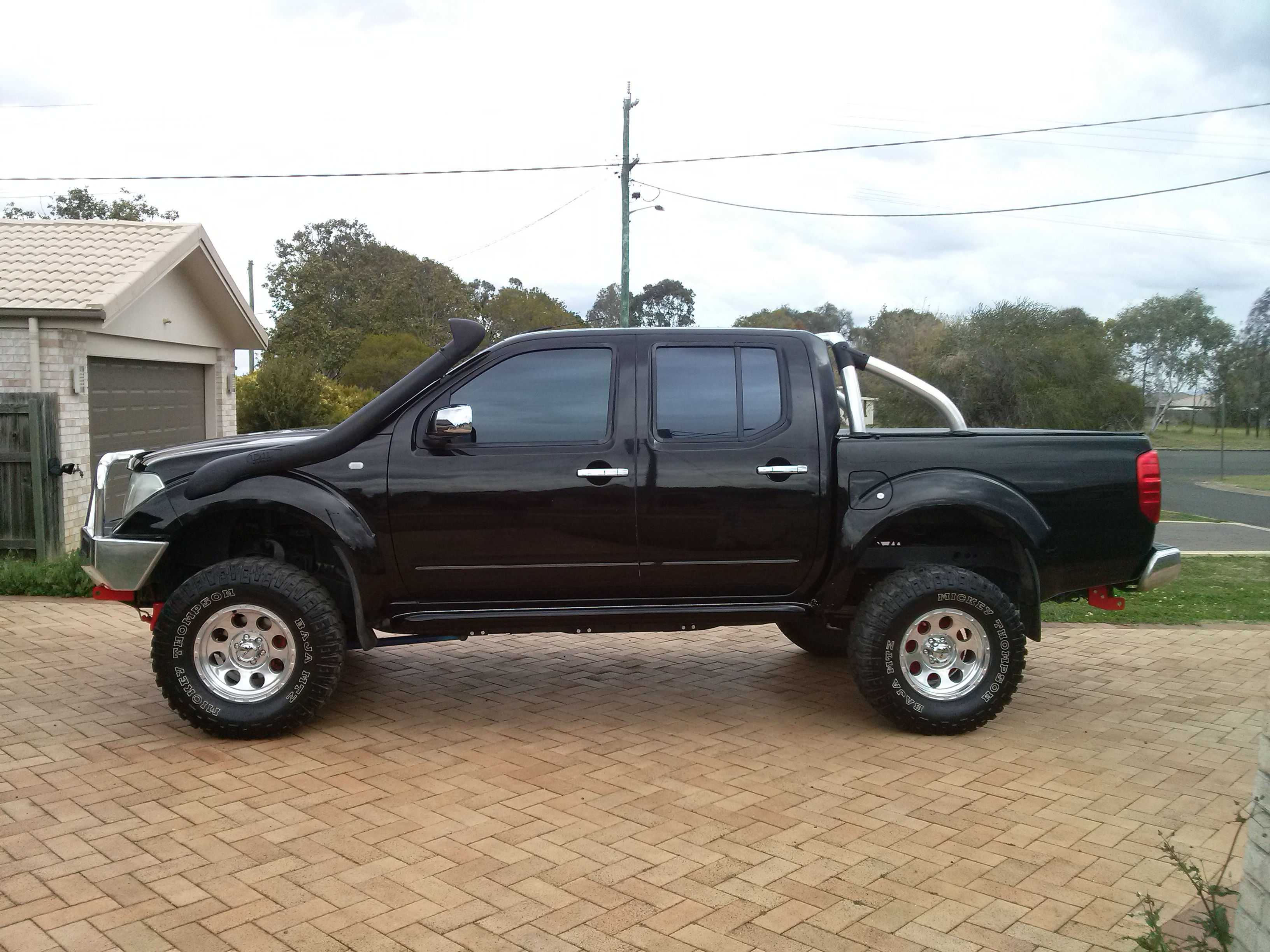 2006 nissan navara st x 4x4 d40 car sales qld wide bay burnett 2533272. Black Bedroom Furniture Sets. Home Design Ideas
