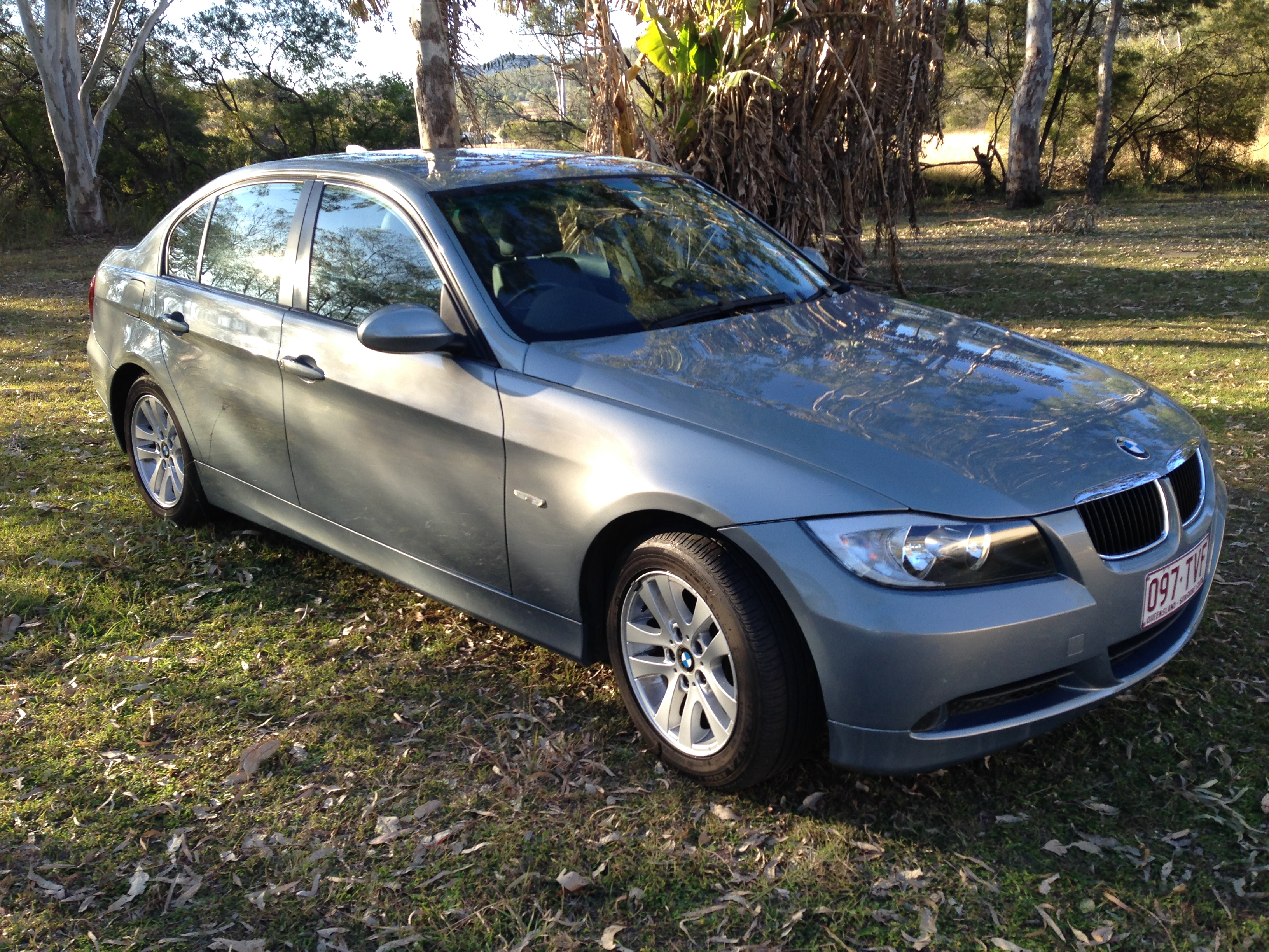 2007 bmw 320i e90 car sales qld gold coast 2976847. Black Bedroom Furniture Sets. Home Design Ideas
