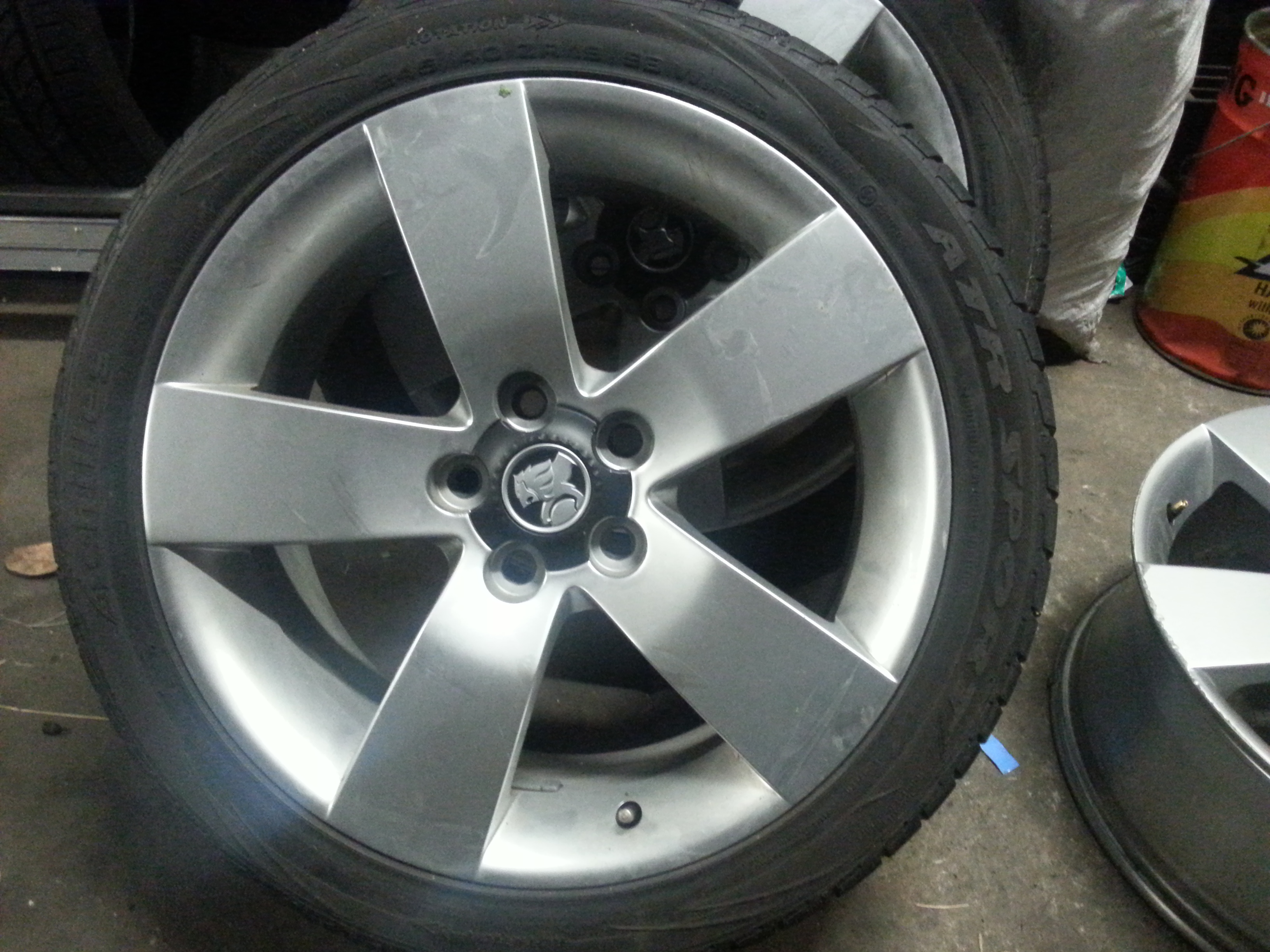 """Holden Commodore SSV 19"""" Wheels 