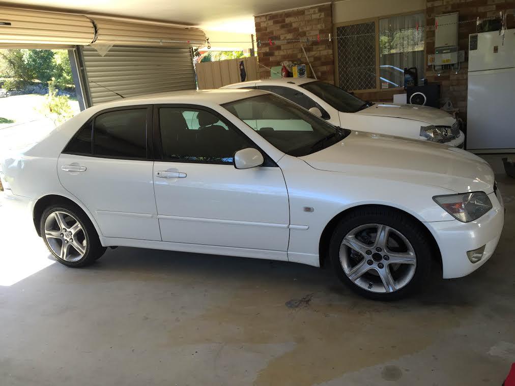 2002 lexus is200   car sales qld: brisbane south #2694490