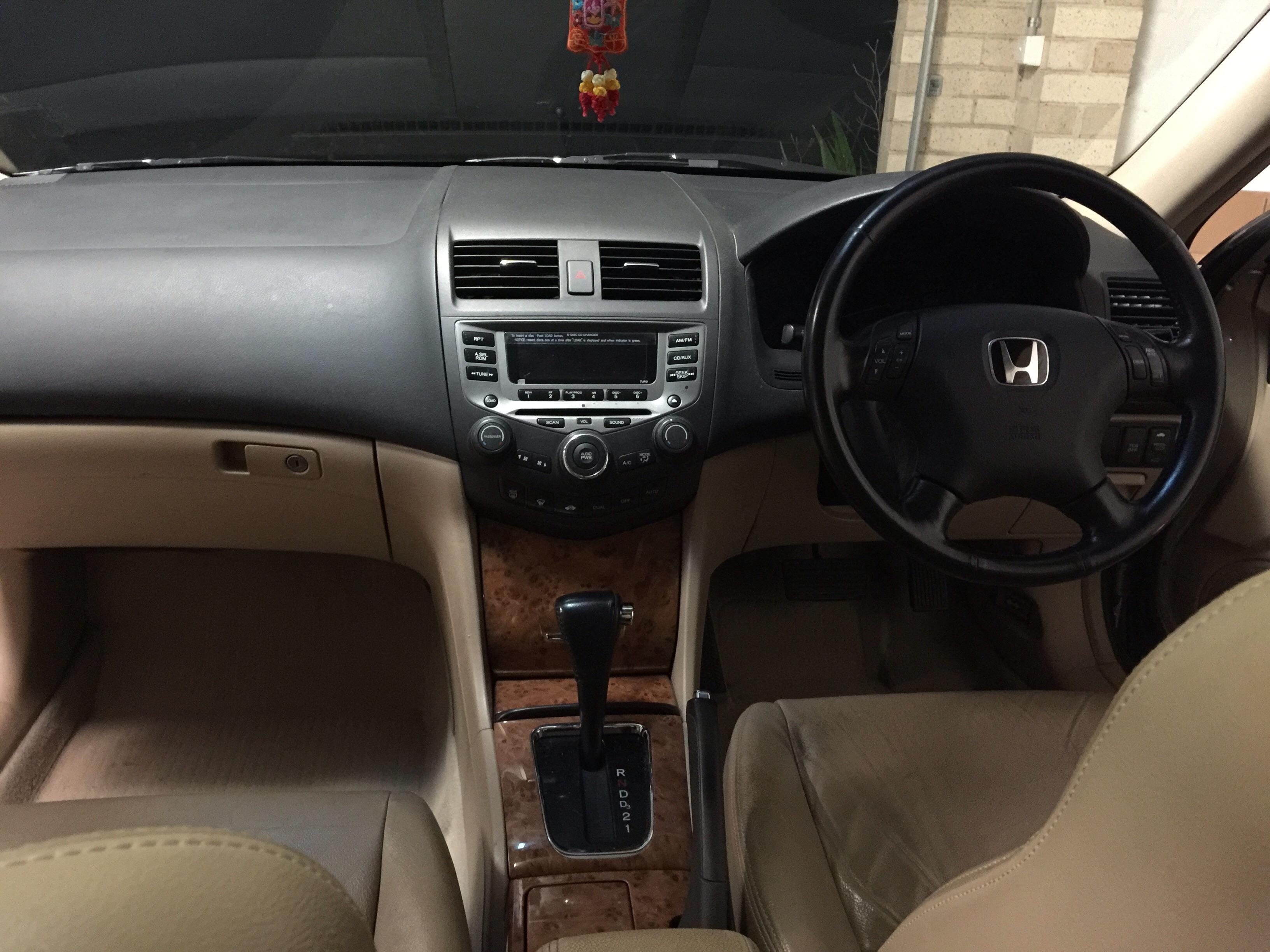 2004 Honda Accord V6 Luxury 40 ...