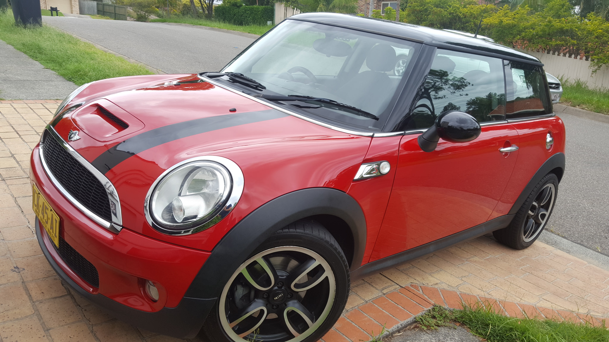 2010 mini cooper s chilli r56 my11 car sales qld brisbane 2985711. Black Bedroom Furniture Sets. Home Design Ideas