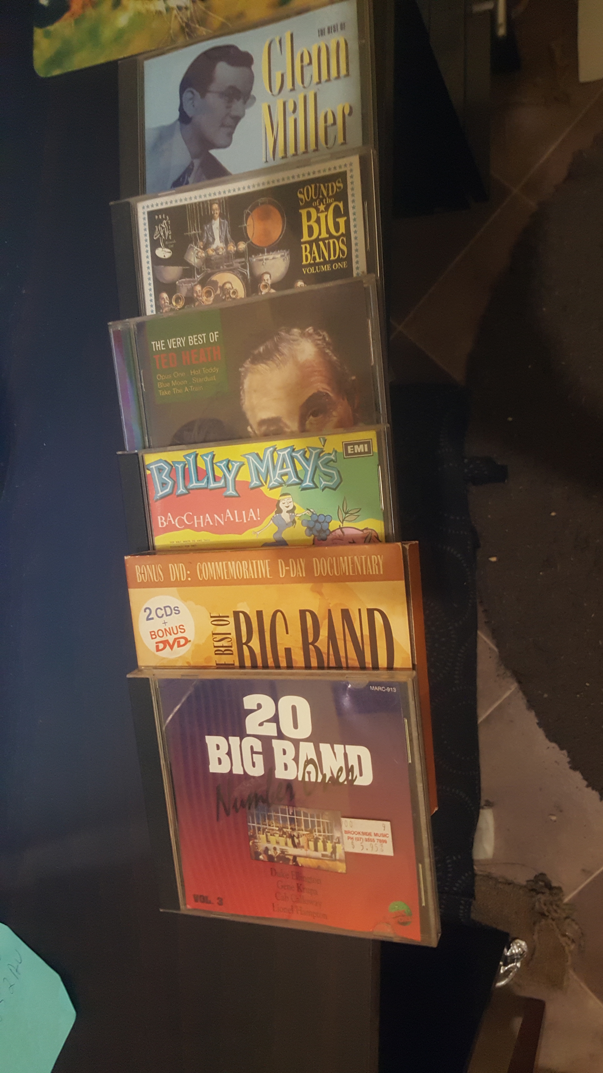 Selling 24 CDS JAZZ and Big Bands