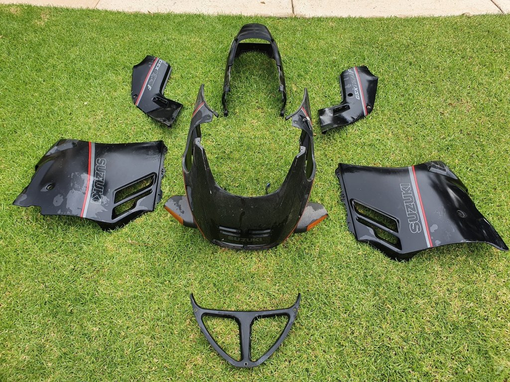 Suzuki GSX1100F 1989 Fairing SET