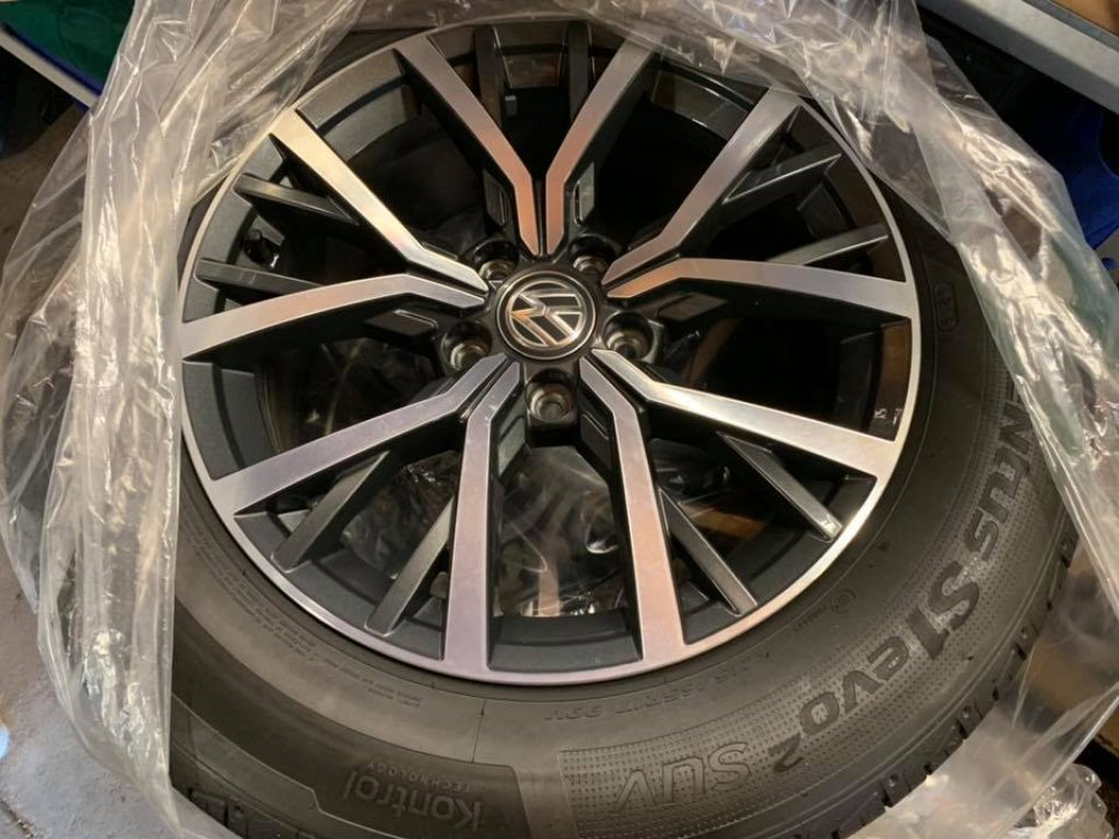 New New Volkswagen VW Tiguan 17 Wheels and New Hankook Tyres