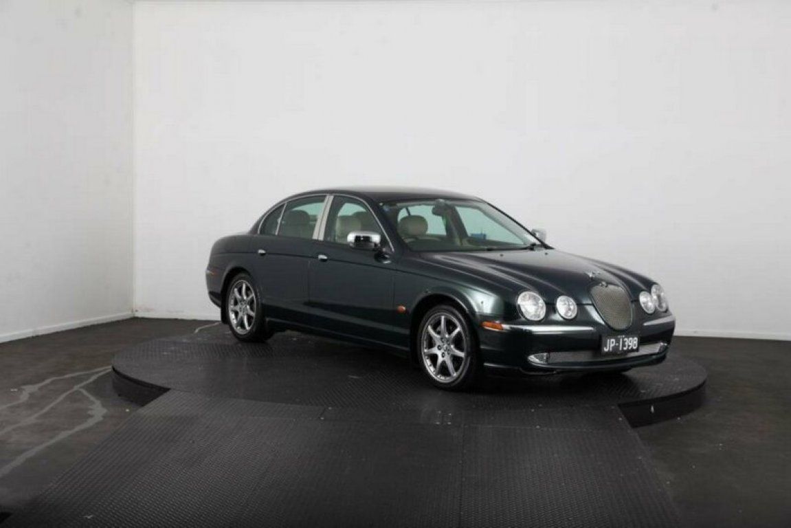 2001 Jaguar S V6 MY01