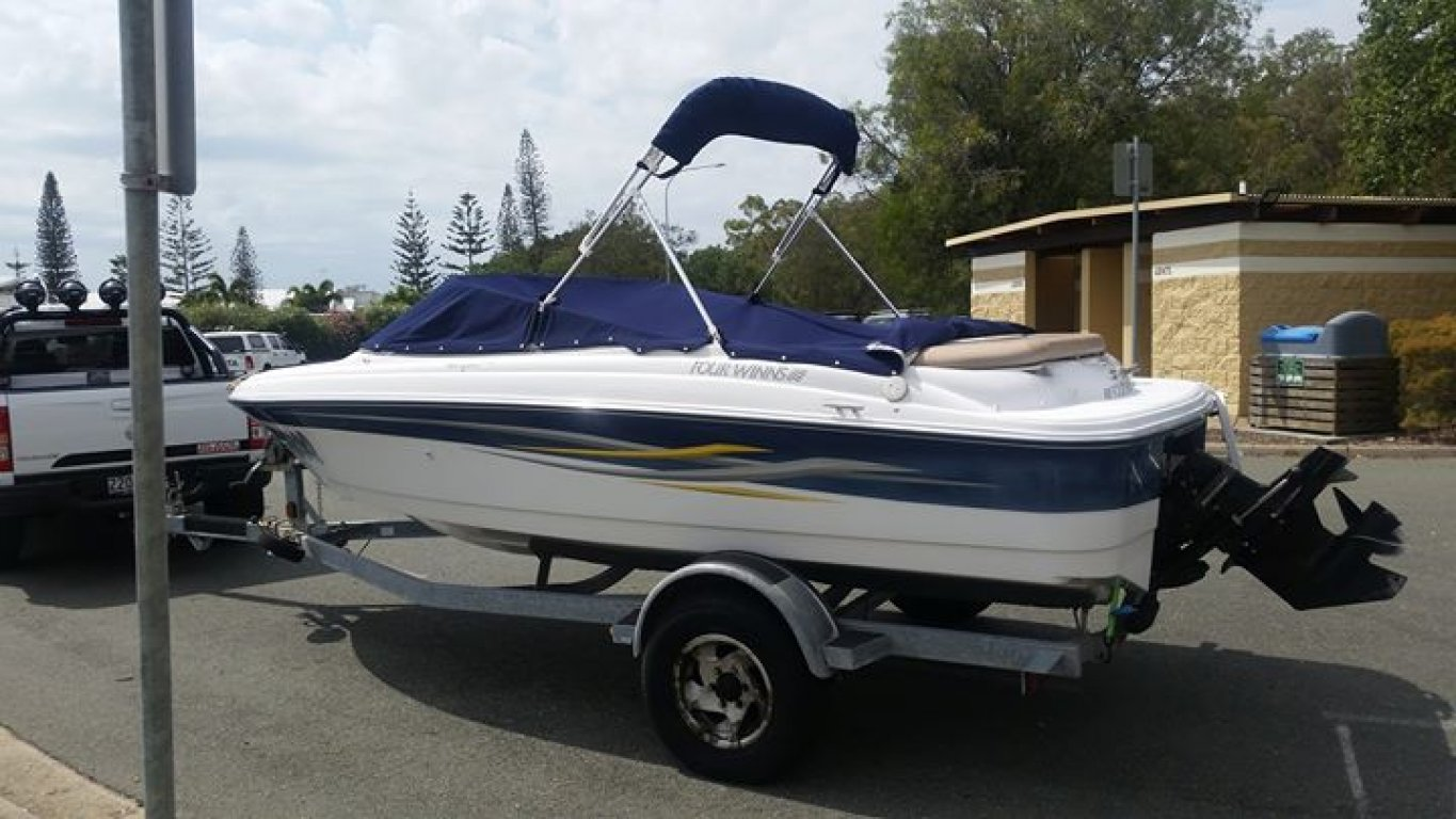 2005 FOUR Winns 170