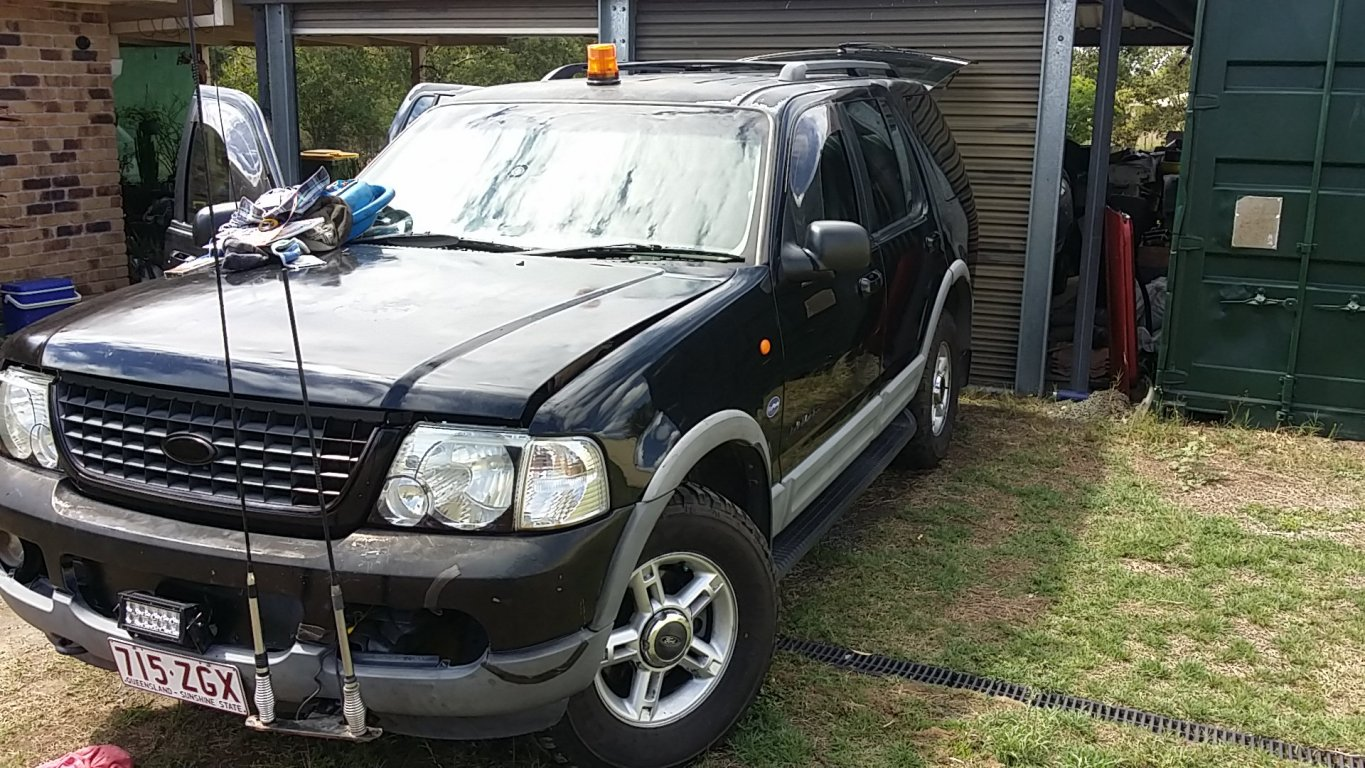 2002 Ford Explorer XLT (4X4) UZ