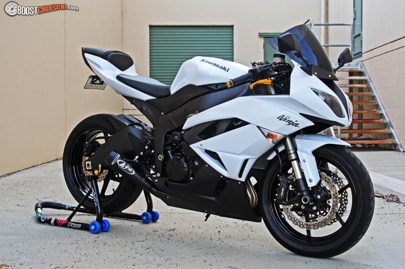 2010 Kawasaki Ninja Zx-6r White, Black And Gold. - BoostCruising
